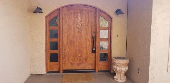 Southwest-entry-ways-Cactus-door
