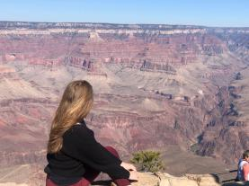 girl-overlooking-grand-canyon-south-rim