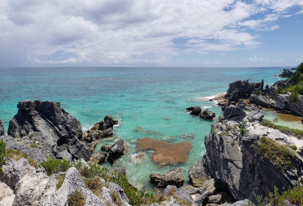 view-from-the-rocks-horseshoe-bay-bermuda